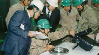 赤萩フランジ 伊賀工場 日本工業規格取得時の写真